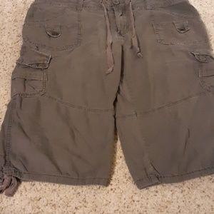 Super cute cargo shorts